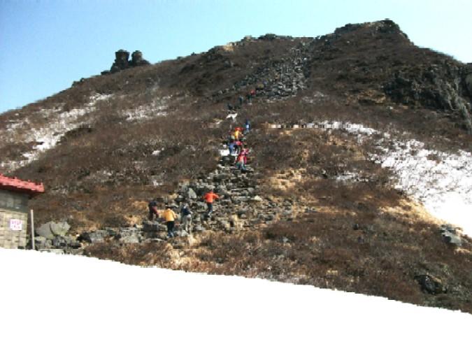 100502~05東北岩木山登り 111a.jpg